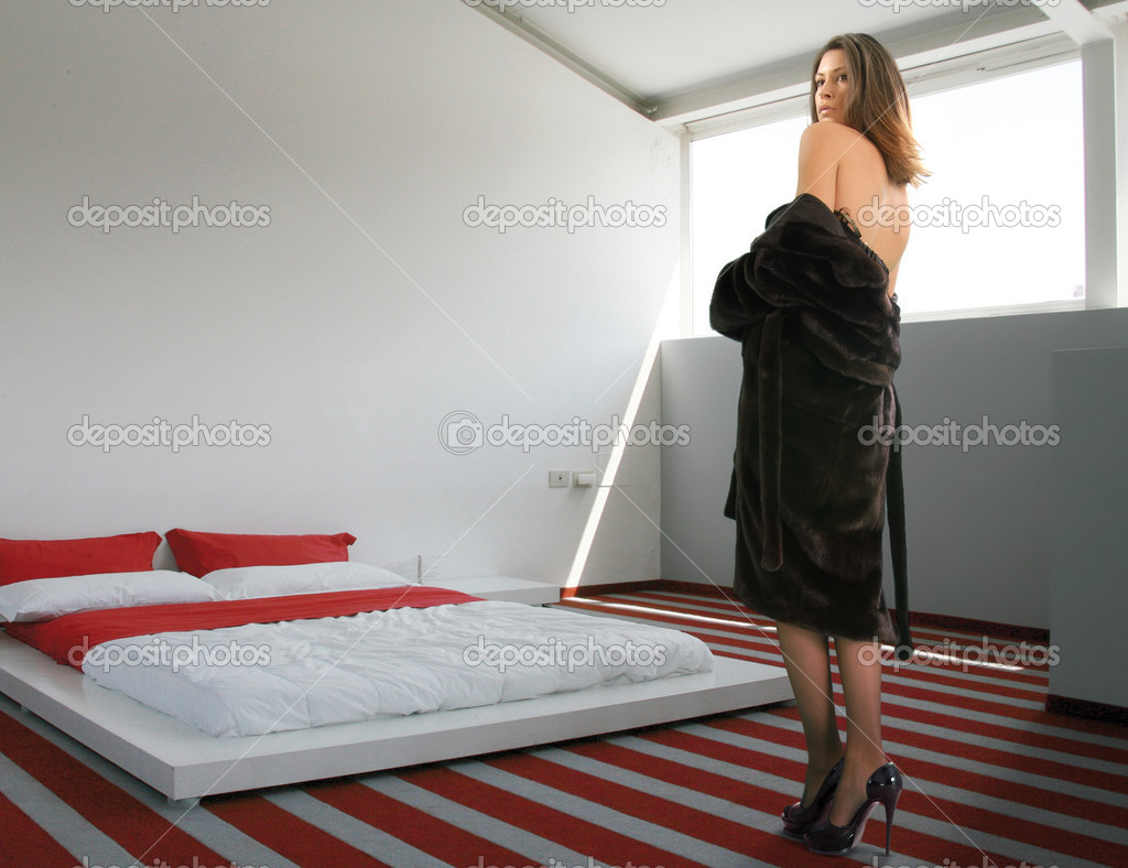 Rich glamour woman came in the bedroom starting undressing  Stock Photo #2512277