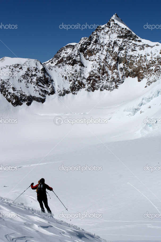 Skiing in high mountains — Stock Photo #2305932
