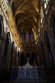 Middle aisle od St Vitus cathedral — Stock Photo