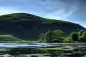 Vista al lago idílico — Foto de Stock