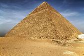 Cheops pyramid in Giza — Stock Photo