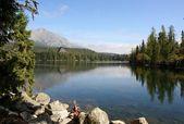 Lake and high Tatras mountains — Stock Photo