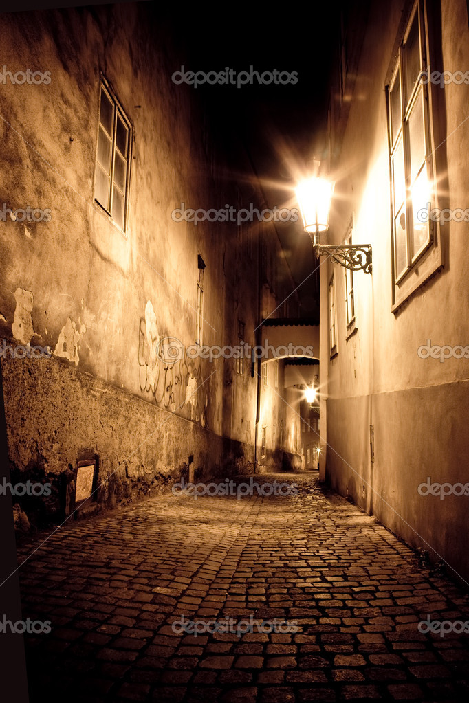Mysterious narrow alley — Stock Photo #2264931
