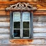antigua ventana en la pared de madera — Foto de Stock
