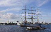 Frigate anchored, St. Persburg — Stock Photo