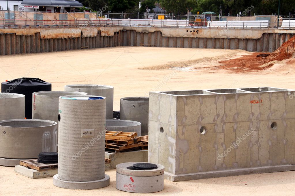 Precast Concrete Pits : Precast concrete in construction pit — stock photo