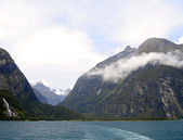 Mountains within Milford Sound, NZ — Stock Photo