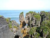 Punakaiki Pancake Rocks & Blowholes — Stock Photo