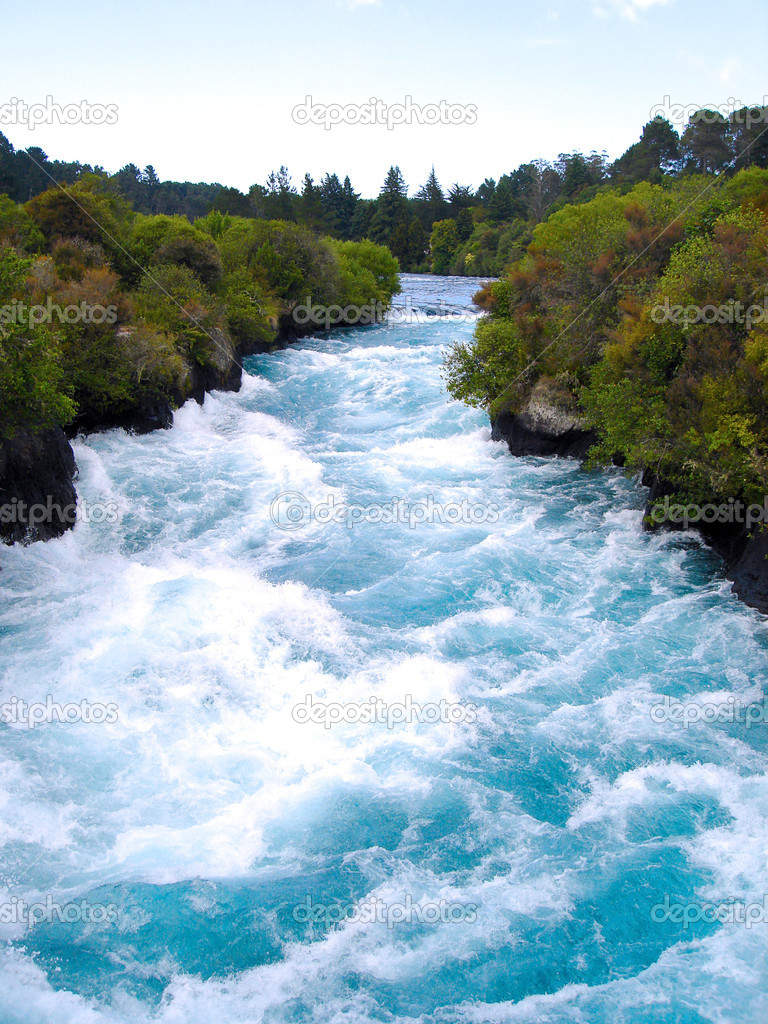Looking Upstream at the Waikato River in the narrow canyon before Huka Falls, New Zealand — Stock Photo #2643473