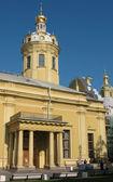 Die petropavlovsky-kathedrale — Stockfoto