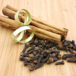 Stock Photo: Cinnamon sticks and cloves