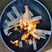 Palmcrosses getting burned — ストック写真