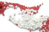 Biało -czerwone koraliki — Zdjęcie stockowe