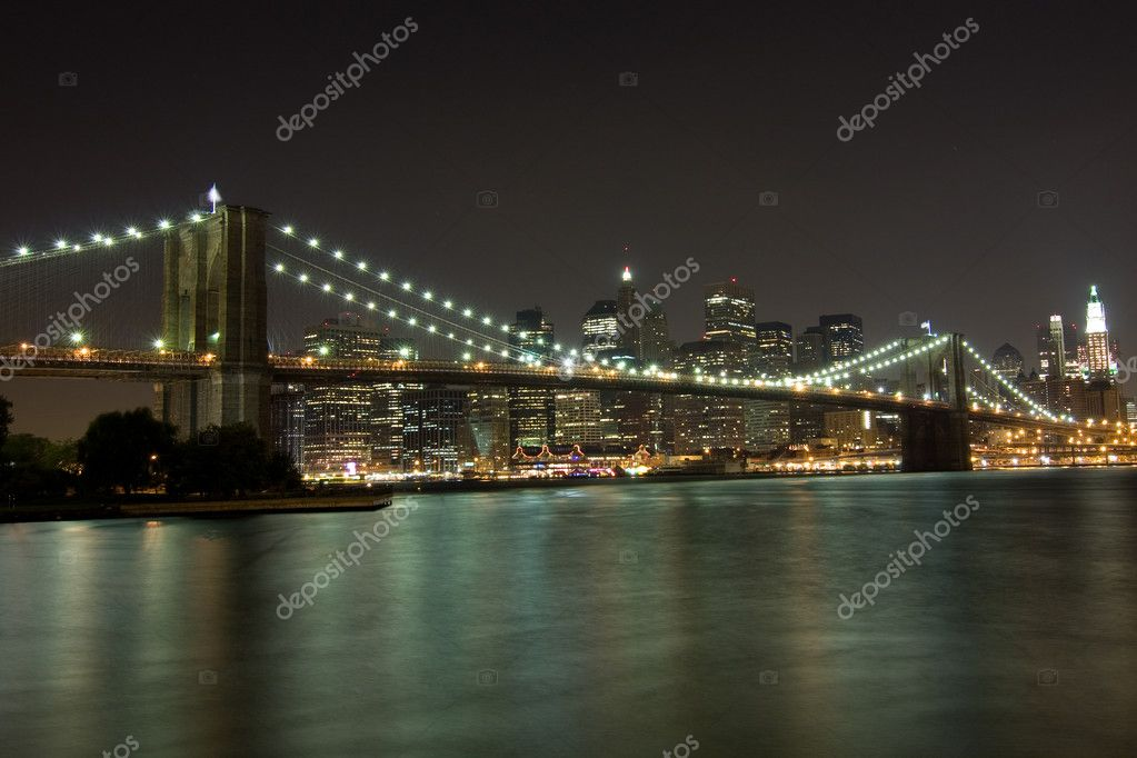 New York, Brooklyn Bridge at night — Stock Photo #2382957