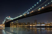 Ponte di brooklyn, di notte, new york — Foto Stock