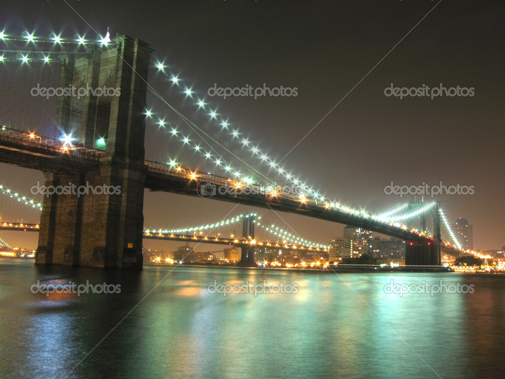 Brooklyn and Manhattan bridges at night, New York City — Stock Photo #2544475