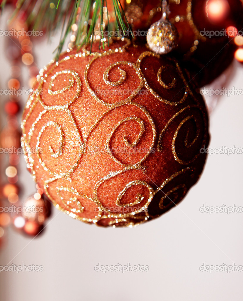 Red and gold christmas sphere on tree — Stock Photo #2542829