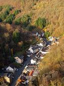 Bela cidadezinha alemã nas montanhas — Fotografia Stock