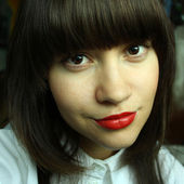 Young woman with red lipstick — Stock Photo