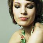Young beautiful woman — Stock Photo #2670072