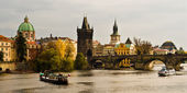 River Vltava and Charles Bride in Prague — Stock fotografie