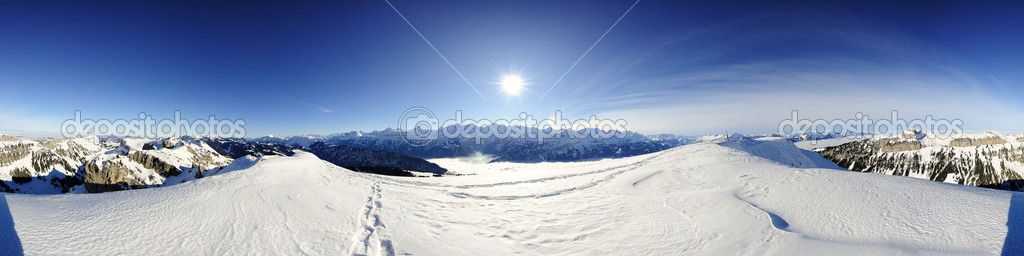 360 degree panorama from Burgfeldstand/Niederhorn with Eiger, Moench and Jungfrau, Switzerland — Stock Photo #2326691