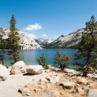 yosemite national park lake tenaya — Stock Photo
