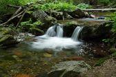 Cachoeira rio de montanhas — Foto Stock