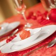 Elegant Christmas table setting in red — Stock Photo