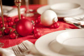 Red and white Christmas table — Foto de Stock