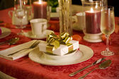 Christmas table setting in red — 图库照片