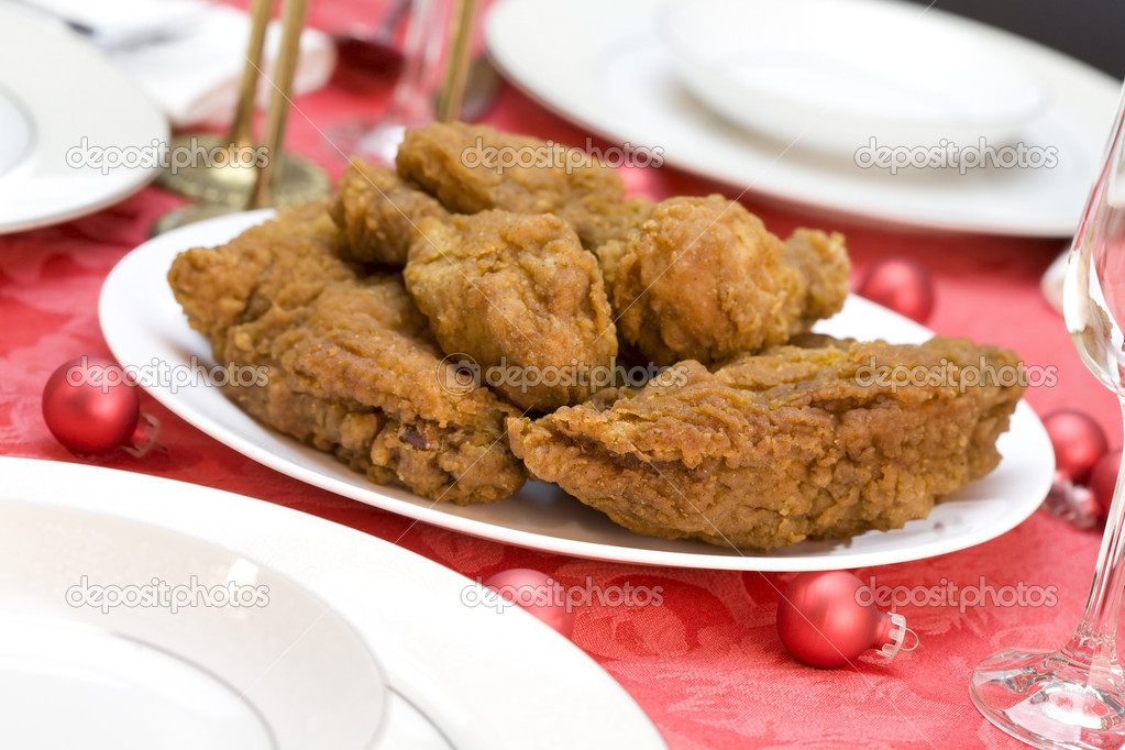 Plate of delicious fried chicken on white dish — Stock Photo #2630272