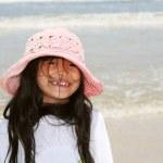 słodkie dziewczynki na plaży — Zdjęcie stockowe #2647494