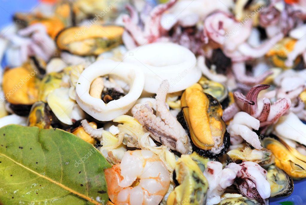 Как приготовить морепродукты морской коктейль