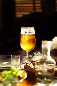 Jarra y vaso con cerveza — Foto de Stock