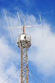 Radio antenna communication tower — 图库照片