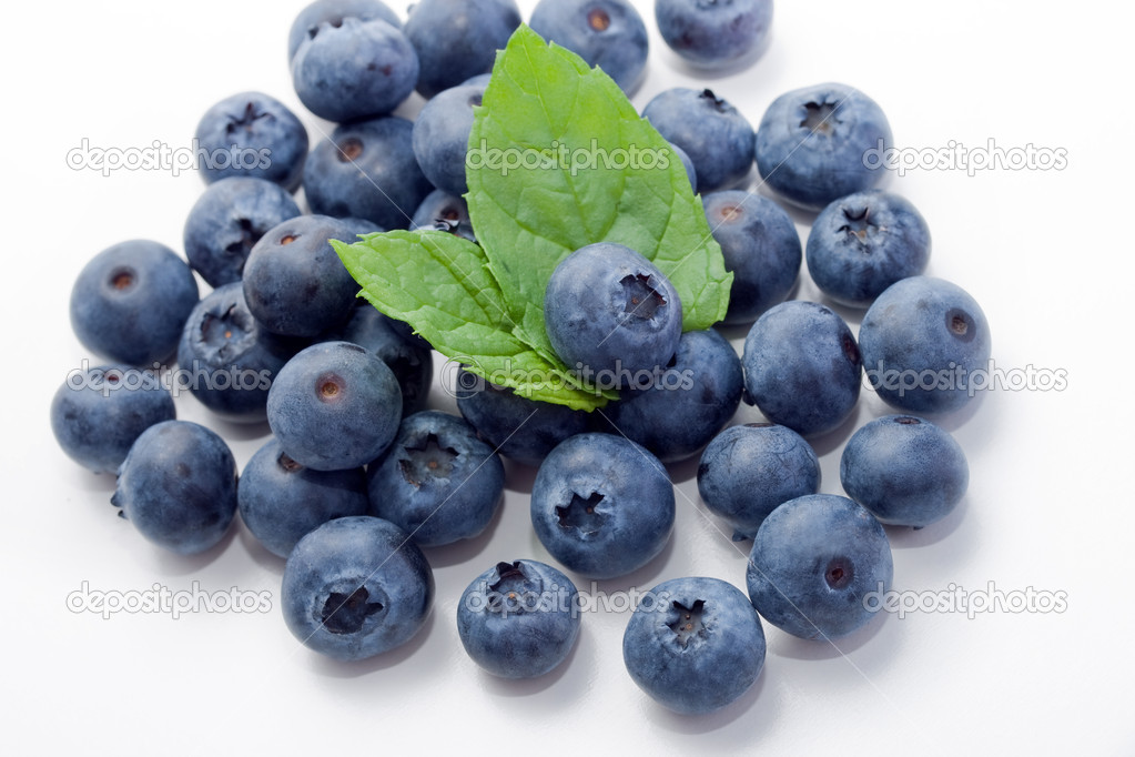 Fresh and sweet organic blueberries — Stock Photo #2420843