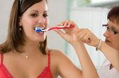 Cepillarse los dientes — Foto de Stock