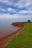 Red sand beach on Prince Edward Island — Stock Photo