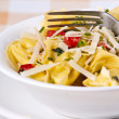 Tortellini primavera — Stock Photo
