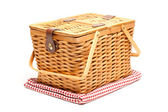 Picnic Basket and Folded Blanket Isolate — Stockfoto