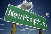 New Hampshire Green Road Sign — Stock Photo