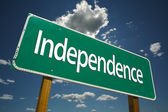 Independence Green Road Sign — Stock Photo