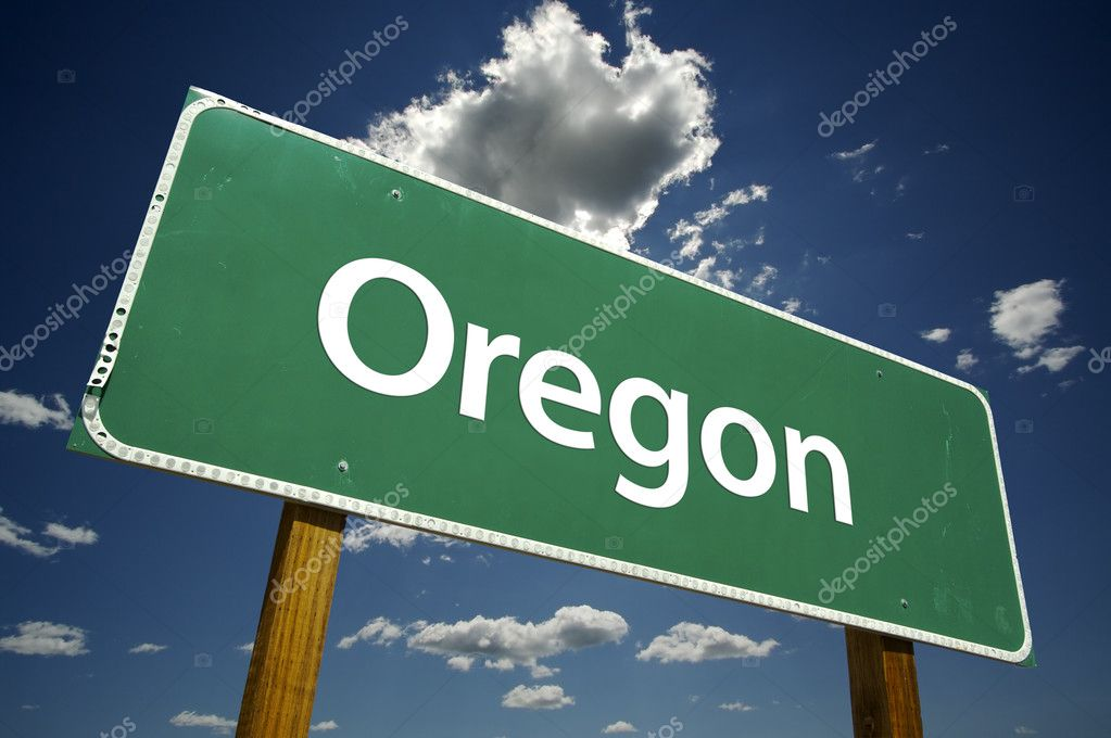 Oregon Road Sign with dramatic clouds and sky. — Stock Photo #2329034