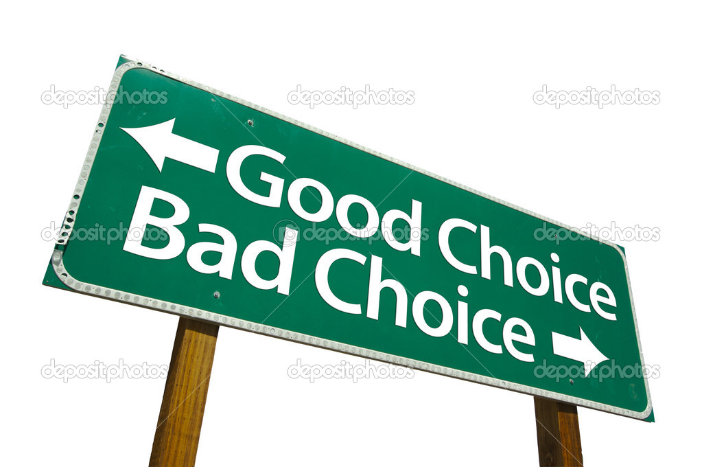 Good Choice and Bad Choice Green Road Sign Isolated on a White Background with Clipping Path. — Stock Photo #2329963