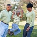 feliz familia afroamericana — Foto de Stock   #2333173