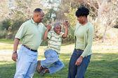 Heureuse famille afro-américaine — Photo