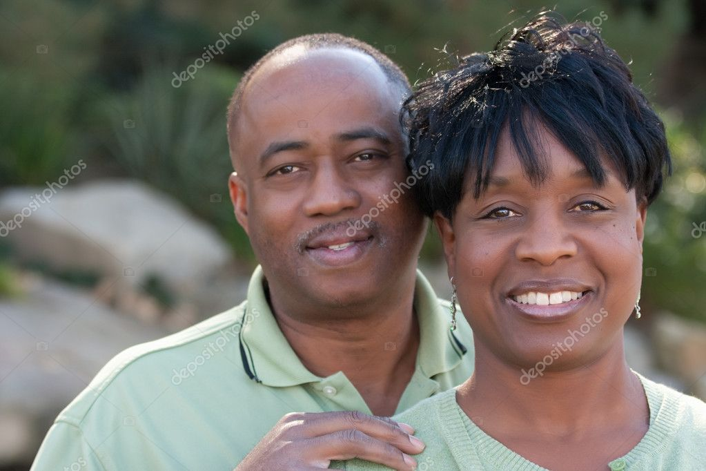 Attractive and Affectionate African American Couple Having Fun in the park. — Stock Photo #2333096