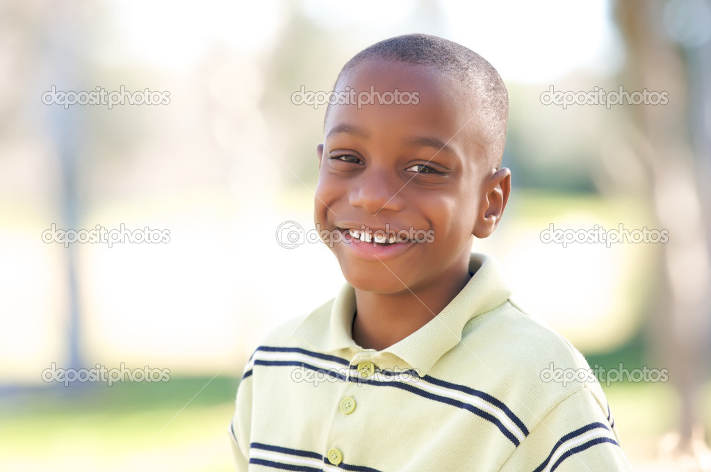 Young Happy African American Boy Having Fun in the Park. — Stock Photo #2333168