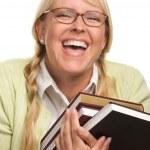attraktive Studentin, die Durchführung ihrer Bücher — Stockfoto